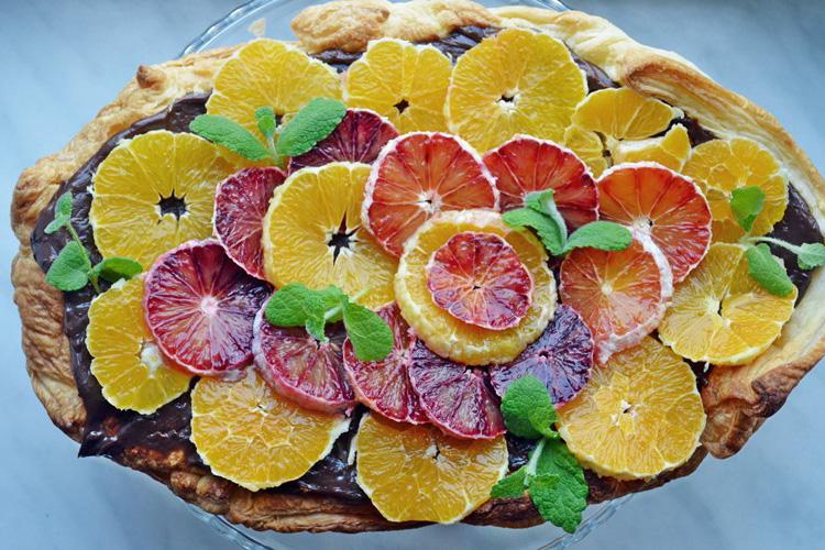 Błyskawiczne ciasto z pomarańczami i kremem czekoladowo-miętowym*