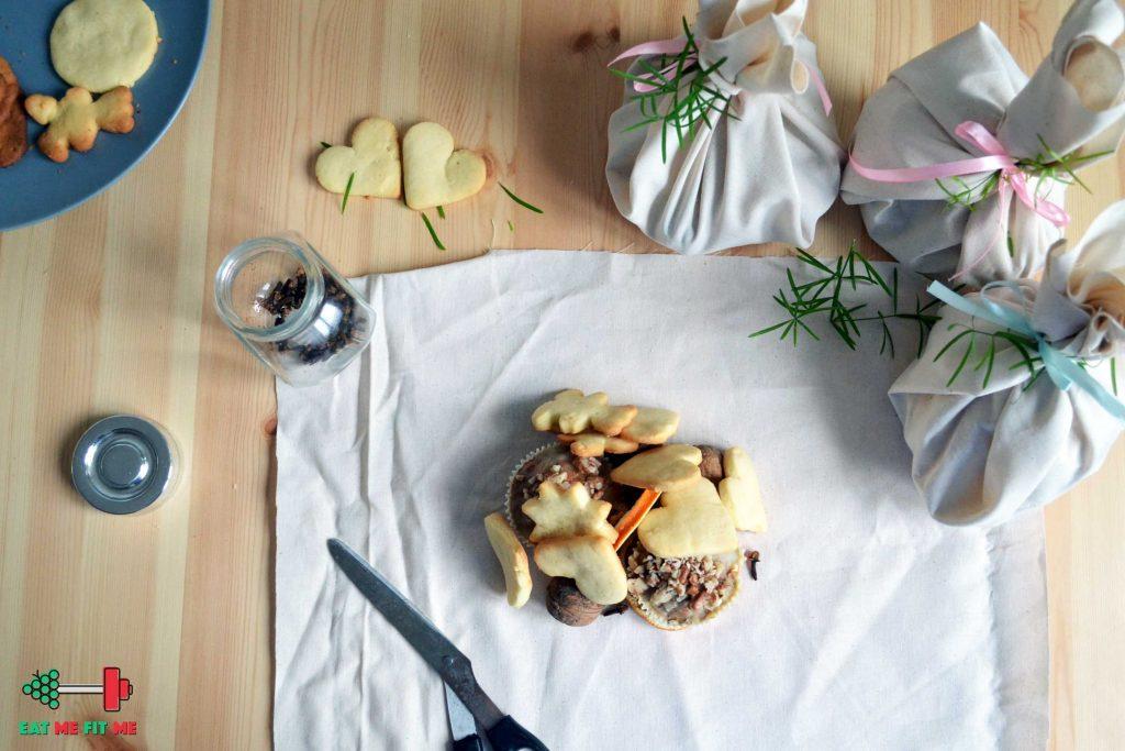 pomysl-na-prezent-ciastka-muffinki-zapakowane-swieta1