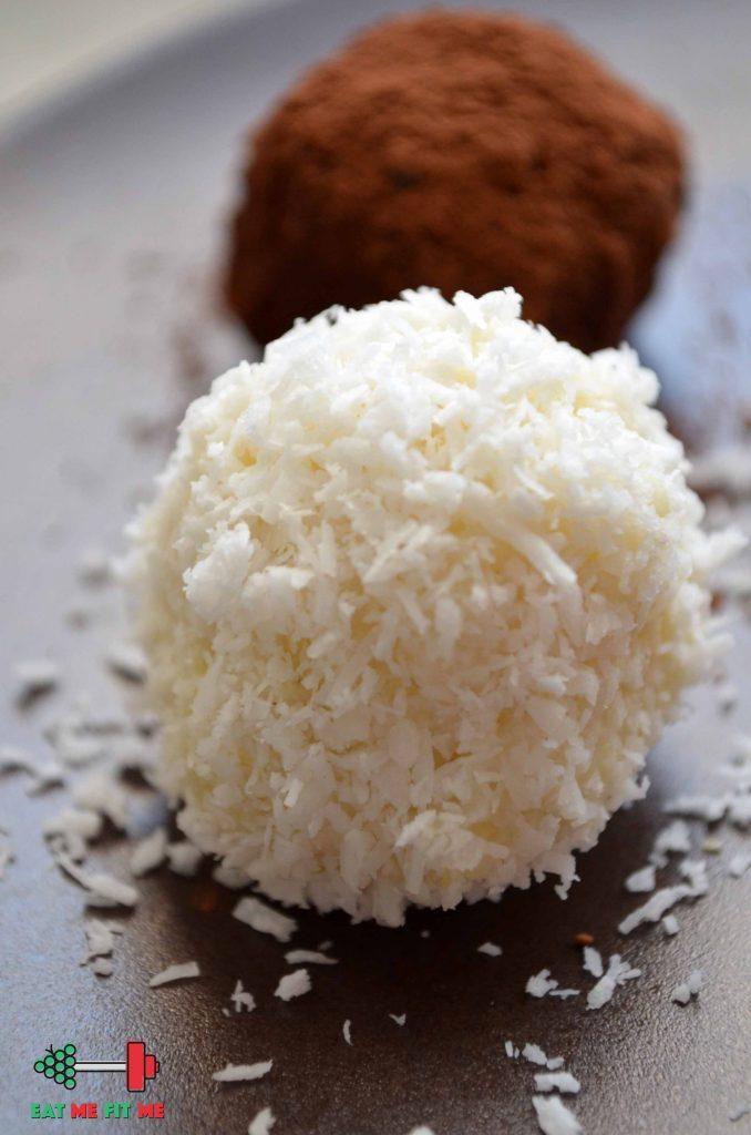 przepis-szybki-deser-zdrowy-lekki-kulki-mocy-lewandowskiej-kokos-kasza-jaglana-kakao