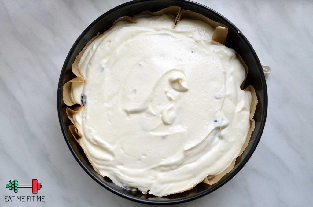 przepis-ciasto-bez-cukru-bez-maki-dietetyczny-sernik-zdrowa-czekoladowa-polewa-daktyle-zurawina-banan4