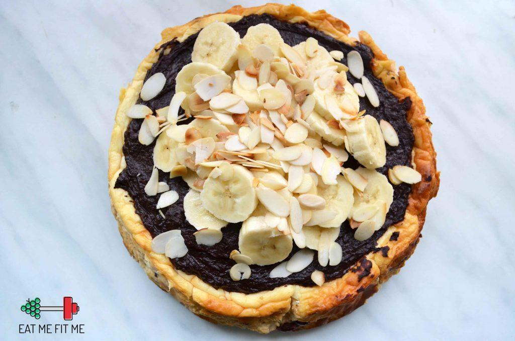 przepis-ciasto-bez-cukru-bez-maki-dietetyczny-sernik-zdrowa-czekoladowa-polewa-daktyle-zurawina-banan6
