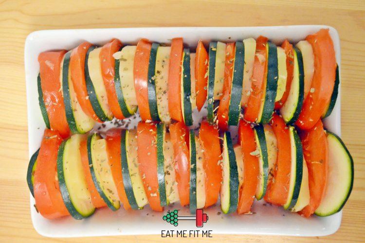 Łatwa i szybka w przygotowaniu zapiekanka z ziemniaków, cukinii i pomidorów