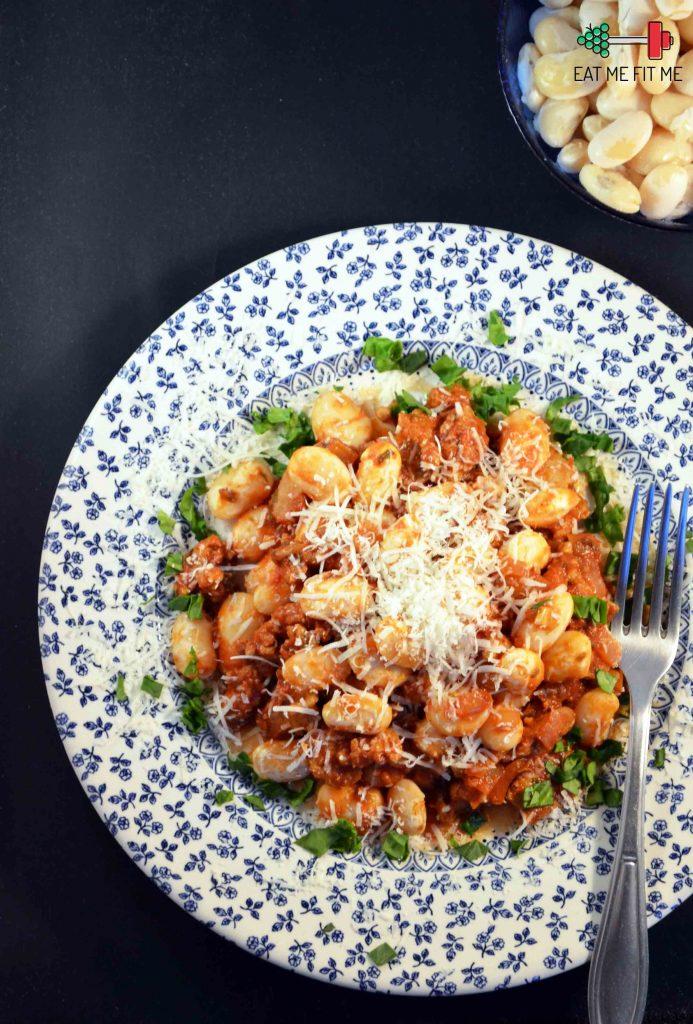 przepis-na-lekki-obiad-fasola-biala-z-miesem-z-indyka-w-sosie-pomidorowym-eatmefitme-blog-2