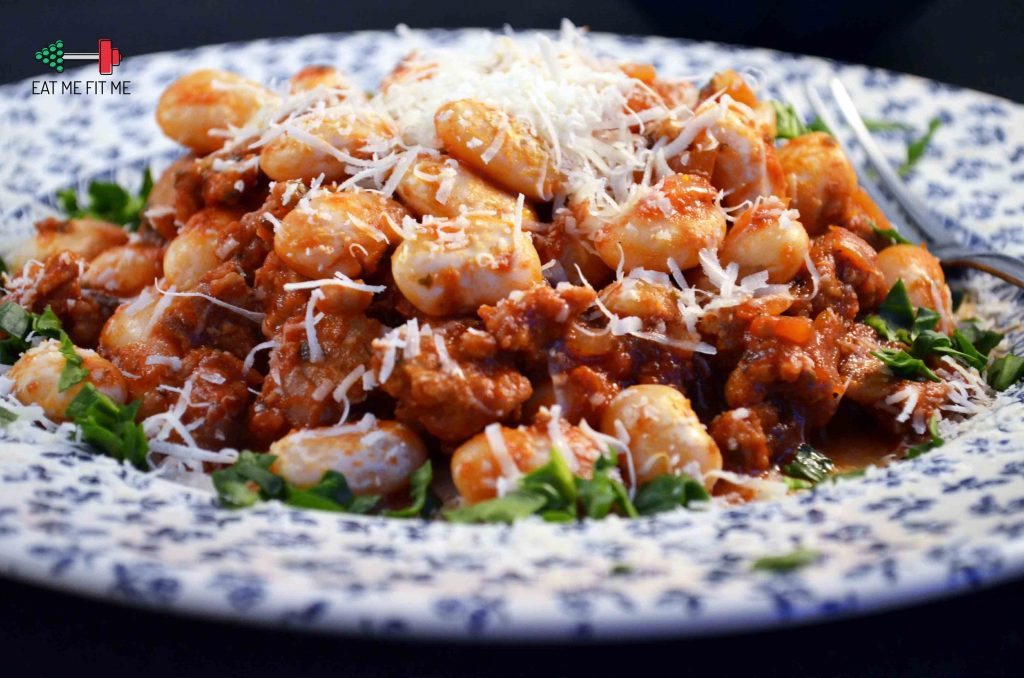 przepis-na-lekki-obiad-fasola-biala-z-miesem-z-indyka-w-sosie-pomidorowym-eatmefitme-blog-3