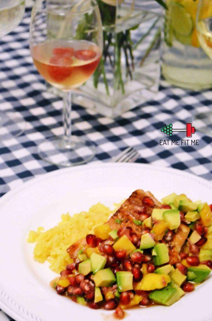 przepis-na-lososia-pieczonego-z-salsa-mango-awokado-granat-blog-kulinarny-eatmefitme-3 kopia