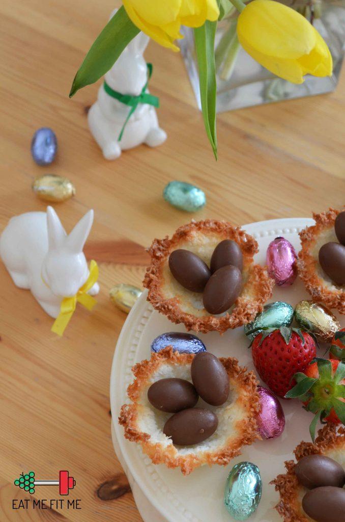 kokosowe-gniazdka-z-kokosowym-kremem-i-czekoladowymi-jajeczkami-pomysl-na-szybki-bezglutenowy-deser-wielkanoc-eatmefitme-blog-4