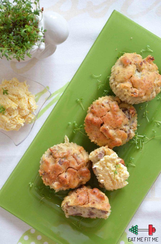 przepis-na-wytrawne-muffinki-na-wielkanoc-z-biala-kielbasa-boczkiem-z-pasta-jajeczno-chrzanowa-eatmefitme-blog-2